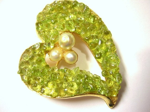 Vintage Chrysoberyl and Pearl Open Heart Brooch - Vintage - B15