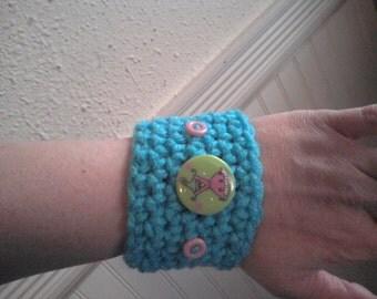 turqua slip on crochet bracelet with buttons