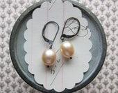 linnea earrings -  pearls silver