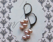 gifts for her elisha earrings pale pink pearls