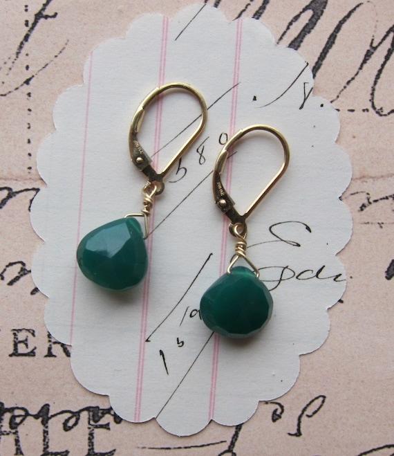 karel earrings - dark green gold