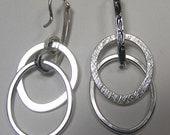 Hoop linear earring