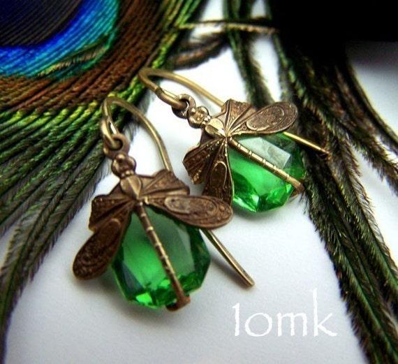 Dragonfly Earwings in Peridot
