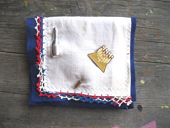 VINTAGE LiNEN KEEPSAKE POUCH with Bowling pin