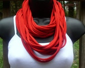 Infinity Scarf necklace - Red