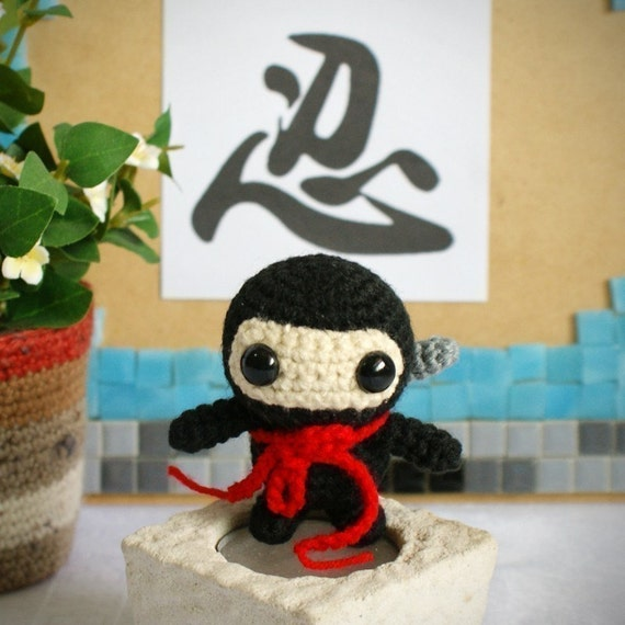 Amigurumi Ninja : roja amigurumi ninja pattern