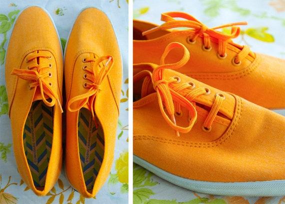 RARE KEDS Original 1960's 70's Vintage Neon Orange Canvas Shoes with Orange Laces size 5.5