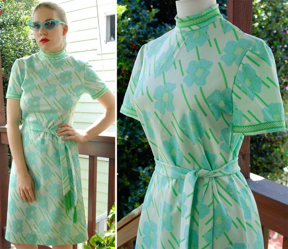 OCEAN Breeze 1960's 70's Bright Blue Green MOD Polyester Dress with Matching Belt with Fringe size Small