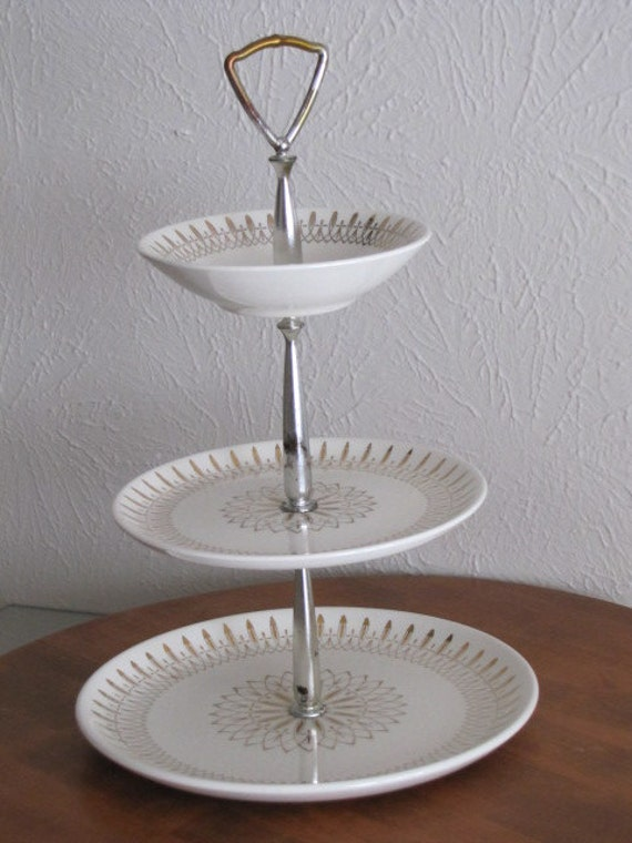 Vintage 3 Tier Plate Stand