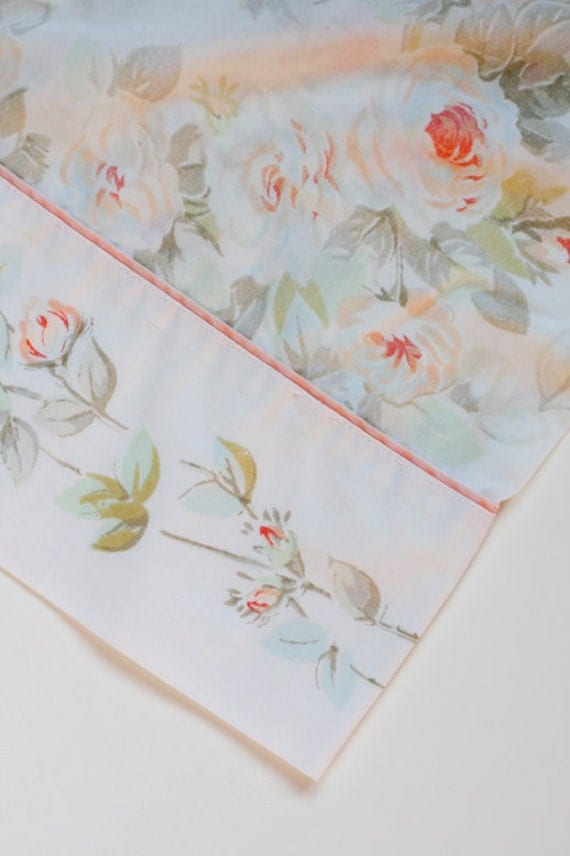Vintage Standard Pillowcase - Romantic Roses