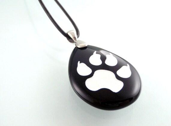paw print engraved black onyx pendant