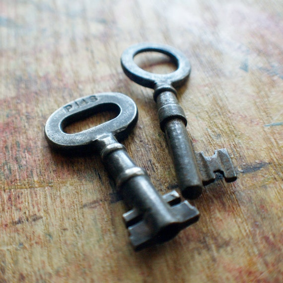 Keyed and Collared Antique Skeleton Key Duo // SALE 15% Off Coupon Code SAVE15