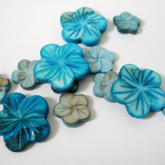 Blue Mother of Pearl Carved Flower Bead Mix