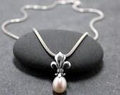 FLEUR DE LIS Pearl Necklace, Lily