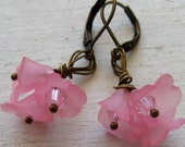 Tiny Frosted Pink Lily Lucite Flower Bouquet, Vintage Antique Bronze Earrings