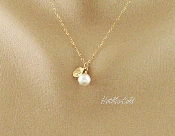 Initial Pendant Pearl Necklace, Personalized Monogram Necklace, Gold Leaf Charm Necklace, Bridesmaid Gifts, Sister, Flower Girl, Wedding
