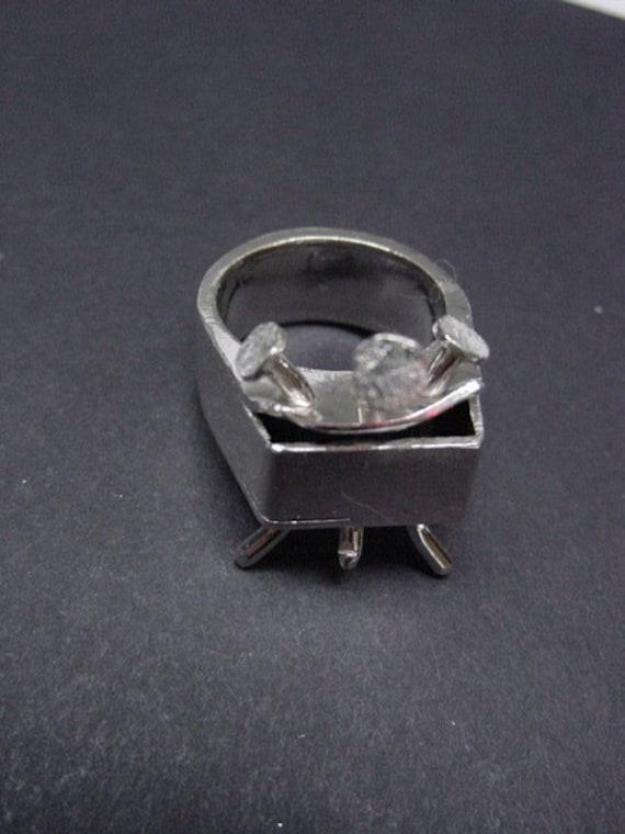 Tortured Ring Nail