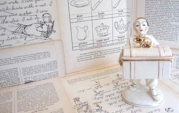 VINTAGE ceramic Figurine holding a box with removable LID Made in JAPAN
