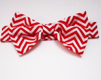 Dog Bow Tie: Chevron red