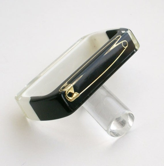 Black and white rectangle lucite bracelet with safety pins