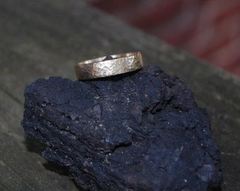 Yellow Gold 5mm Hammered Sunny Day Wedding band