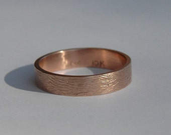 Rose Gold 5mm Wood Grain Textured Wedding Band, male wedding band, female wedding band