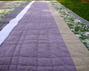 Modern Bed Quilt.  Clean and Fresh.  Hand Quilted. OOAK