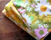 Vintage Sheet Set, Twin Bedding, Sheets Pillowcases, 1970s Flowers