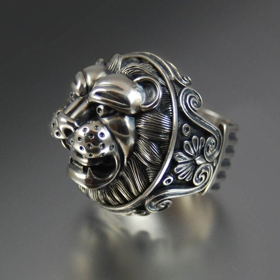 LION'S HEAD sterling silver statement ring