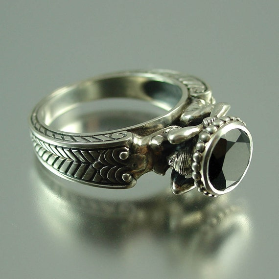 CARYATID Ring in 14K with Black Diamond
