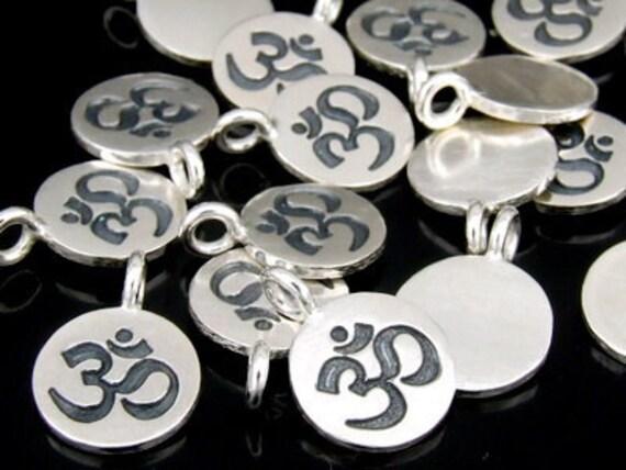 7KH-010 thai karen hill tribe handmade silver 4 om symbol disc charm