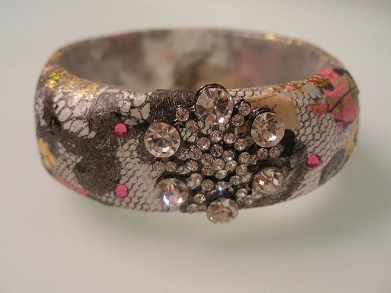 SHIMMER AND LACE-Collage Decoupage Lucite Acrylic Resin Art Bracelet Bangle in Black, White and Pink w Swarovski Crystals