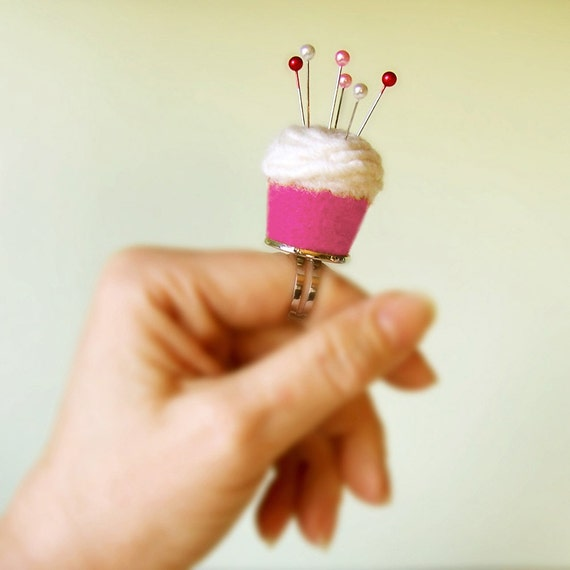 Pincushion Ring - Strawberry Vanilla