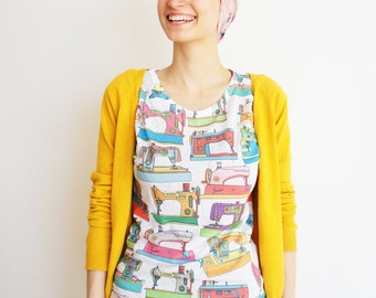 Printed vintage sewing machines t-shirt for women