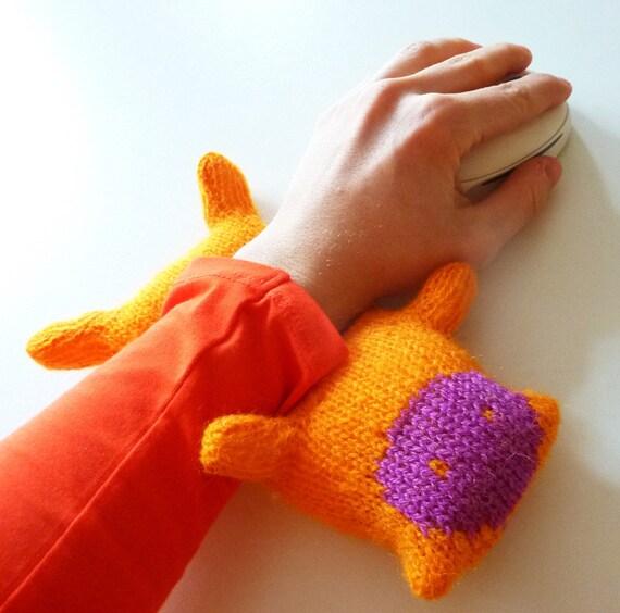 Wrist lover knit toy Miti