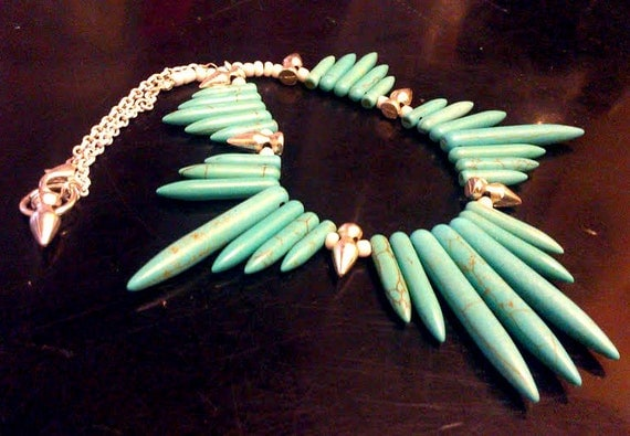 Turquoise and Silver Spike Triangle Choker Necklace