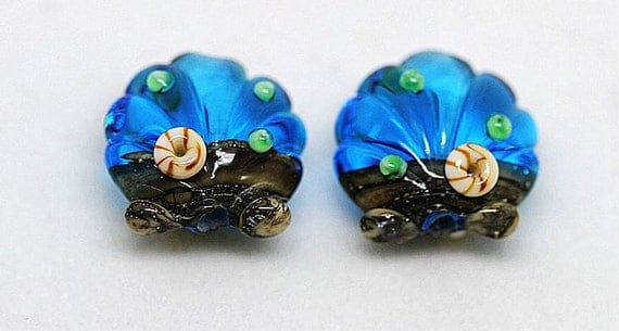 Margo lampwork beads scallop
