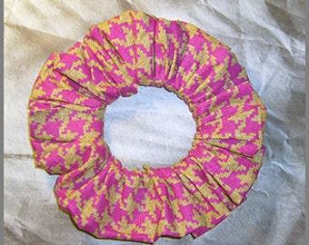 Houndstooth Hair Scrunchie, Denim Pattern Hair Tie, Casual Glen Plaid Ponytail Holder, Hot Pink