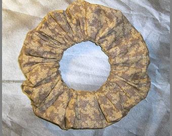 Houndstooth Hair Scrunchie, Denim Pattern Hair Tie, Casual Glen Plaid Ponytail Holder, Sand
