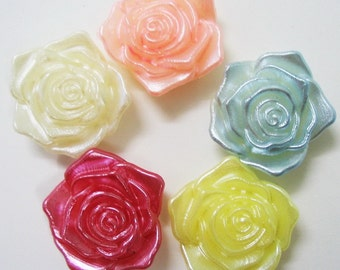 Pearlized Rose Cabochons 16 pcs size 18 mm.