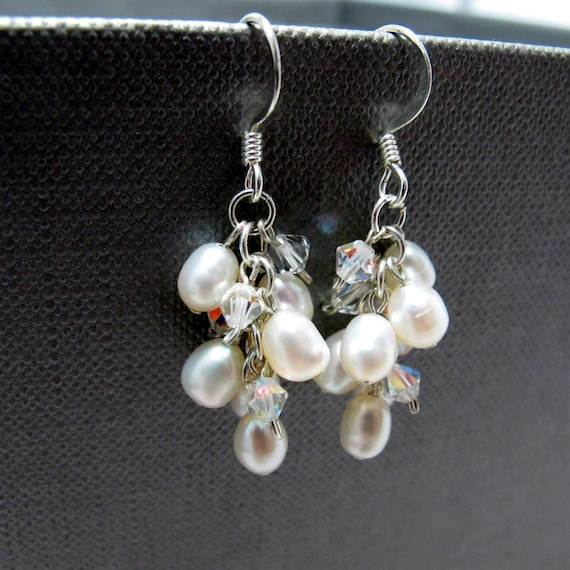 White Pearl and Crystal Clusters Bridal Earrings // White Freshwater Pearls // Clear Swarovski Crystals // Silver Earrings