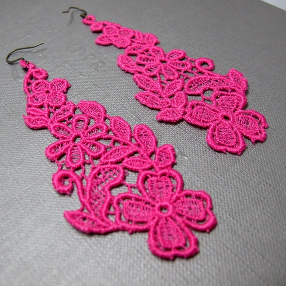 Lace Earrings . Fuchsia Paradise