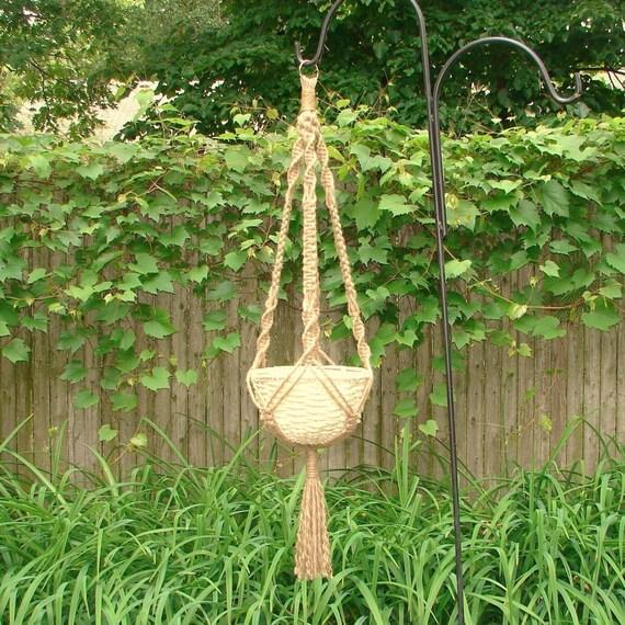macrame plant hanger Jeanie