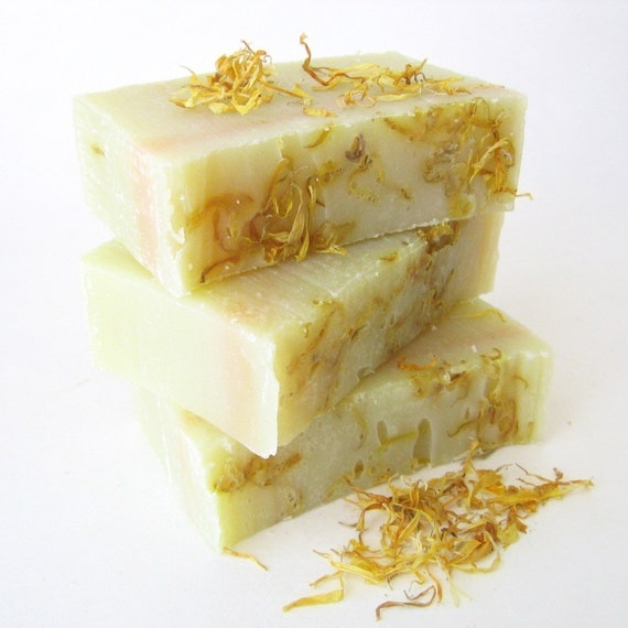 Chamomile and Calendula Shampoo Bar with Jojoba and Meadowfoam Oils