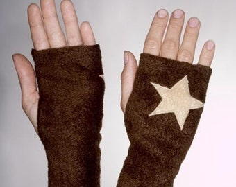 Brown Fleece Handwarmers with Applique Stars - Small
