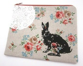Pouch Bunny and Lace on Floral Linen
