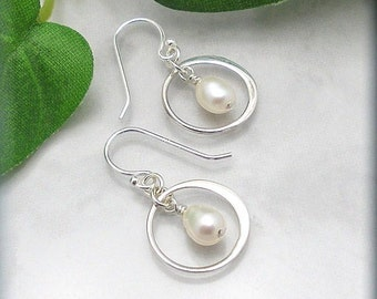 Freshwater Pearl Earrings Sterling Silver White Pearl Bridal Wedding Jewelry Pearl Drop (SE929)