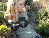 Summertime scoop neck tee for women on earth moss organic cotton