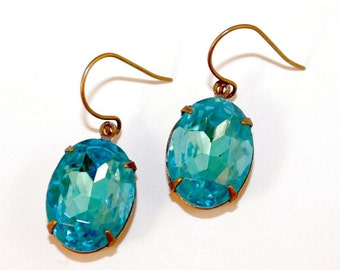 Beautiful Aquarmarine Blue Oval Shaped Hollywood Glamour Glass Faceted Drop Earrings