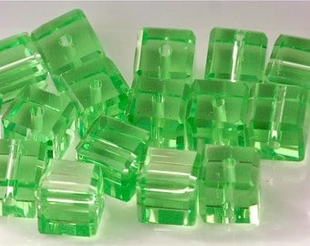 25% OFF 6mm Transparent BRIGHT GREEN Faceted Crystal Cube Beads (25) CHI45